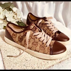 ✨Michael Kors Sneakers size 8.5✨